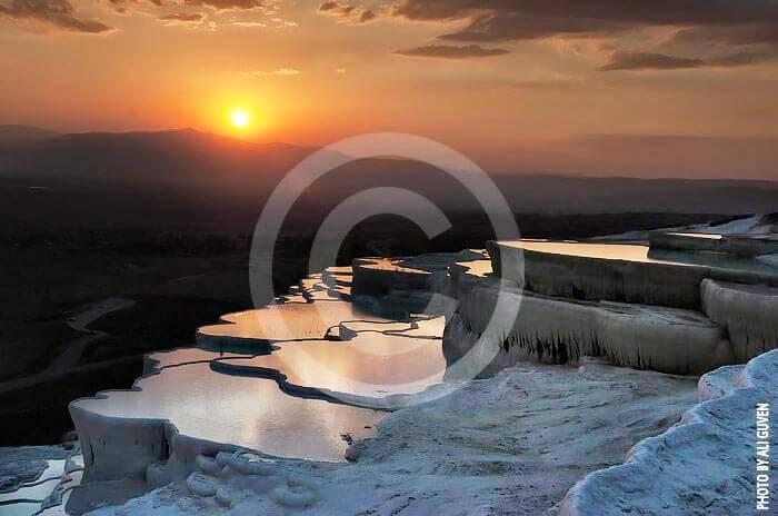 Wycieczka fakultatywna z Bodrum do Pamukkale wapienne tarasy o zachodzie słońca