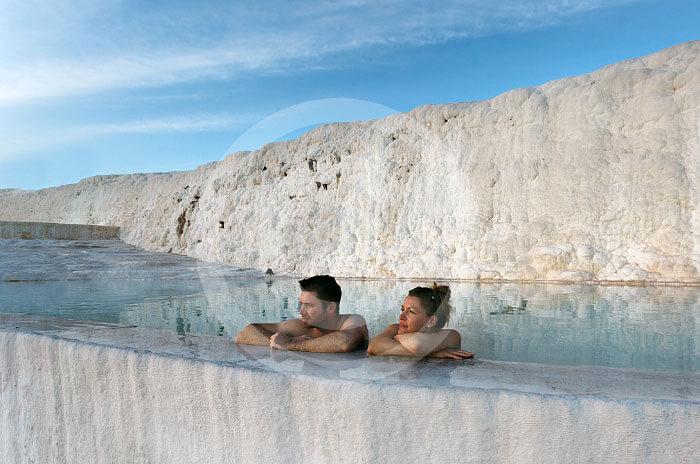 Wycieczka fakultatywna z Bodrum do Pamukkale . naturalne wapienne baseny